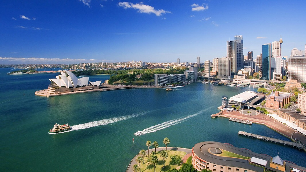 Australia-Downtown-Sydney-and-Waterfront